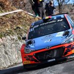 Neuville bags maiden success with Wydaeghe