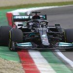 Hamilton taking big risks to beat Verstappen