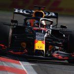 Italian press backs Pirelli over tyre blowouts