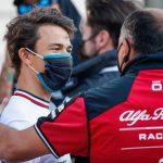 De Vries denies signing 2022 F1 contract