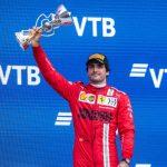 Sainz hits reverse after Barrichello criticism